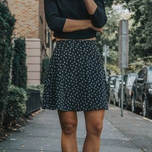 Dresses & Skirts - Vintage floral mini skirt